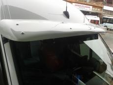 Дефлектор лобового стекла (под покраску, с крепежками) - Volkswagen Crafter (2006+)